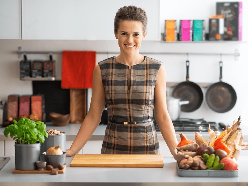 14 dicas e truques inteligentes para organizar o armário da cozinha
